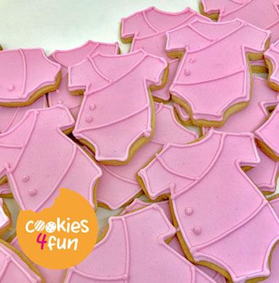 Biscoitos decorados maternidade menina